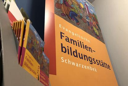 Schriftzug vom Flyer Familienbildungsstätte Schwarzenbek